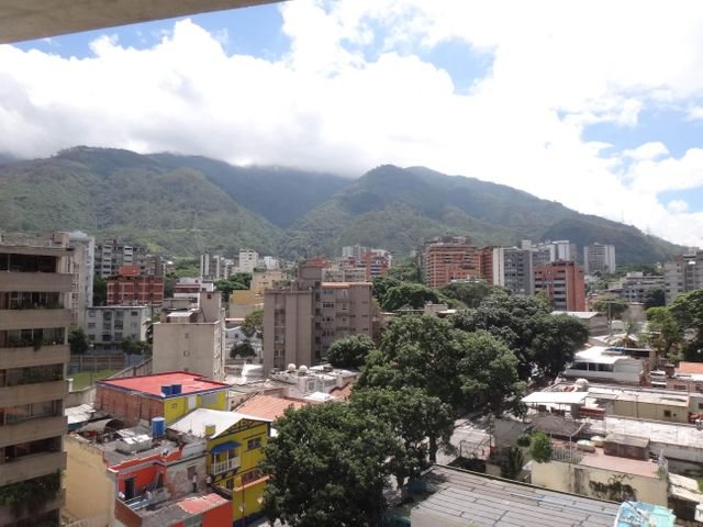 Apartamento Distrito Metropolitano>Caracas>San Bernardino - Venta:3.909.000 Precio Referencial - codigo: 16-11125