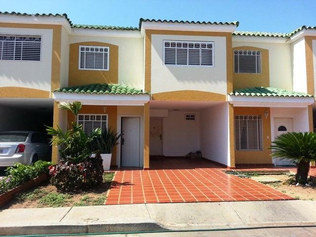 Townhouse Zulia>Cabimas>Las 40 - Venta:53.077.132.074.000.000 Precio Referencial - codigo: 16-11151