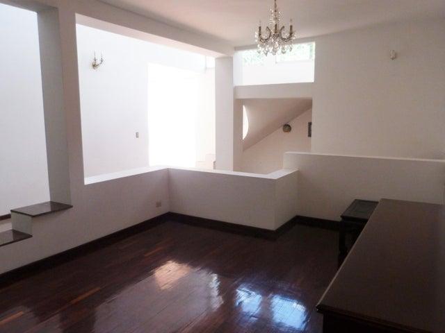 Casa Distrito Metropolitano>Caracas>Alta Florida - Venta:125.189.000.000 Precio Referencial - codigo: 16-11157