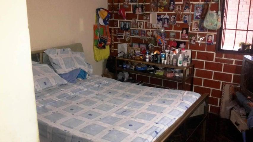 Apartamento Miranda>Guatire>El Marques - Venta:0  - codigo: 16-11270