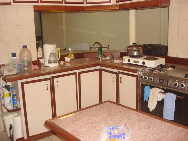 Apartamento Distrito Metropolitano>Caracas>La Trinidad - Venta:70.548.000.000  - codigo: 16-11312