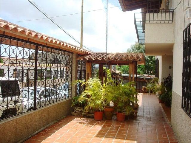 Casa Miranda>San Antonio de los Altos>Las Polonias Viejas - Venta:61.073.000.000 Precio Referencial - codigo: 16-13876
