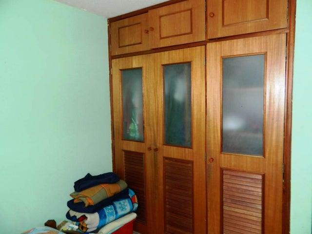 Apartamento Miranda>Los Teques>Parque Residencial La Quinta - Venta:12.663.000.000 Bolivares Fuertes - codigo: 16-11445