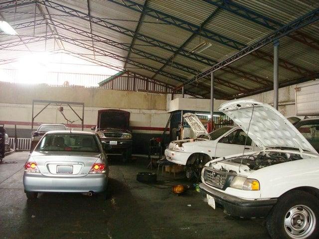 Galpon - Deposito Distrito Metropolitano>Caracas>La Urbina - Venta:587.048.000.000 Precio Referencial - codigo: 16-16676