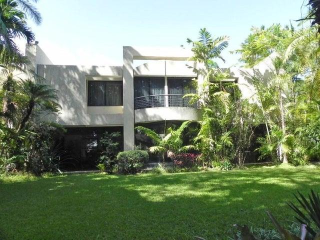 Casa Distrito Metropolitano>Caracas>Los Chorros - Venta:1.128.532.000.000 Precio Referencial - codigo: 16-11427