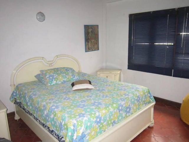 Casa Distrito Metropolitano>Caracas>Miranda - Venta:252.102.000.000 Precio Referencial - codigo: 16-11453