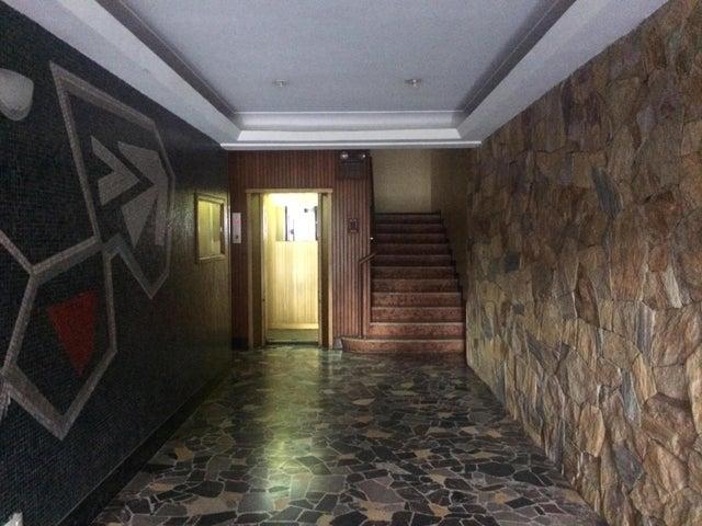 Apartamento Distrito Metropolitano>Caracas>Bello Campo - Venta:414.504.000.000 Precio Referencial - codigo: 16-11516