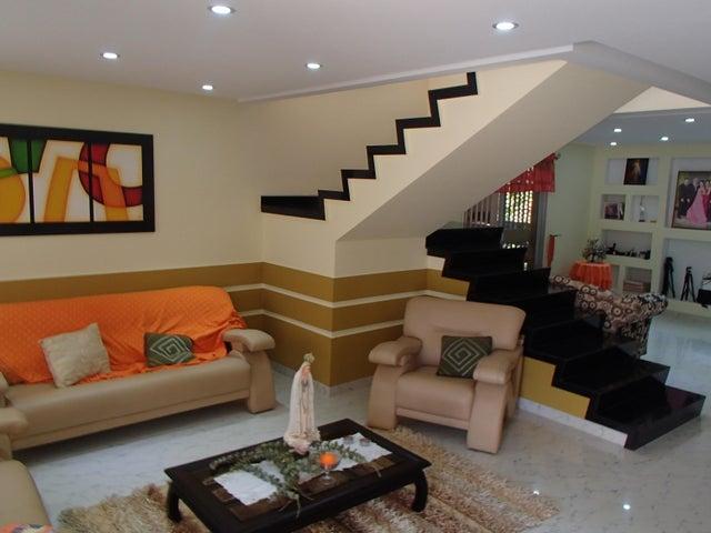 Casa Miranda>Charallave>Paso Real - Venta:67.895.000.000 Bolivares - codigo: 16-11527