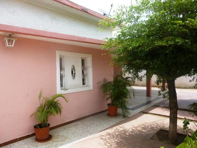 Casa Zulia>Ciudad Ojeda>Barrio Libertad - Venta:6.720.000.000 Bolivares - codigo: 16-11544