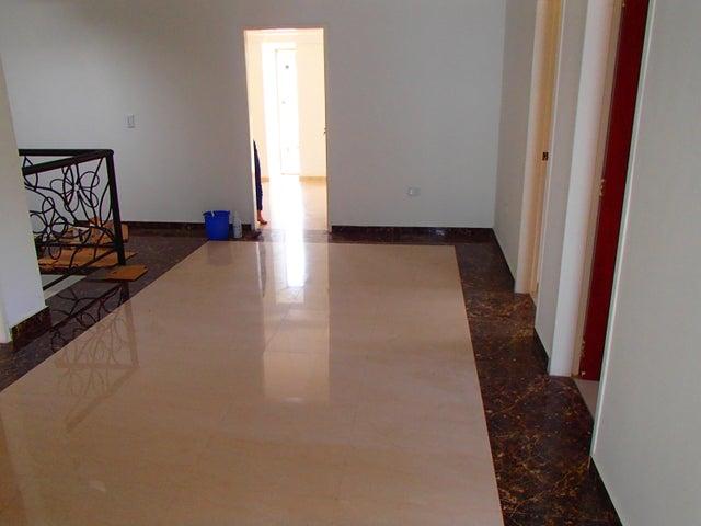 Casa Miranda>Charallave>Colinas de Betania - Venta:17.304.000.000 Bolivares - codigo: 15-7477
