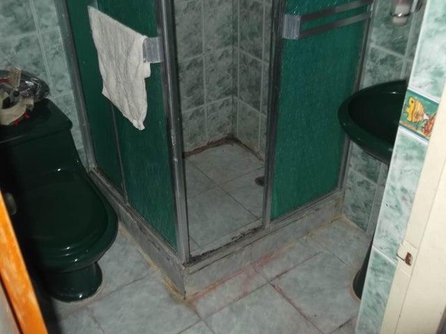 Apartamento Miranda>Guarenas>Nueva Casarapa - Venta:11.285.000.000 Precio Referencial - codigo: 16-11589