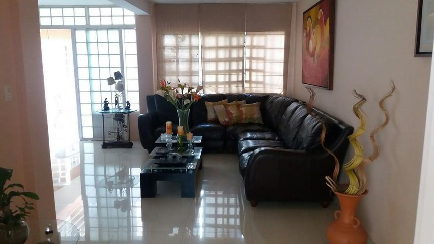 Casa Distrito Metropolitano>Caracas>La California Norte - Venta:122.145.000.000 Precio Referencial - codigo: 16-11637