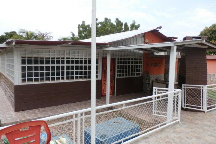 Casa Zulia>Maracaibo>Carretera a Perija - Venta:20.433.000.000 Precio Referencial - codigo: 16-11664