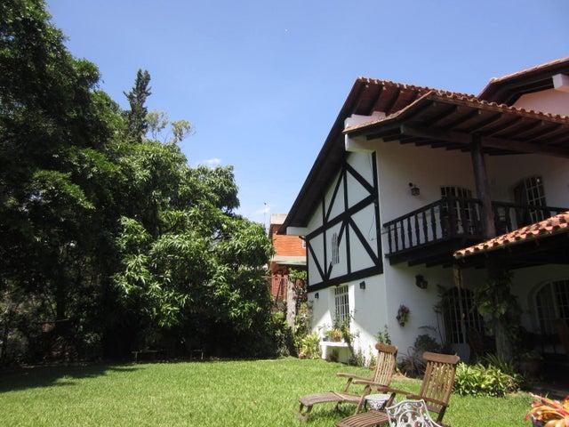 Casa Distrito Metropolitano>Caracas>Lomas del Mirador - Venta:274.827.000.000 Precio Referencial - codigo: 16-11700