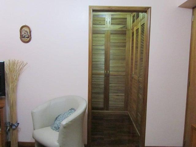 Apartamento Distrito Metropolitano>Caracas>Miranda - Venta:109.931.000.000 Precio Referencial - codigo: 16-11722