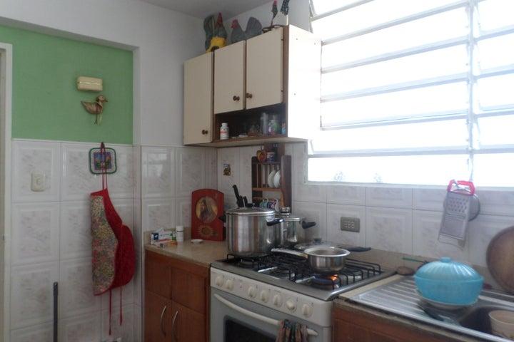 Apartamento Miranda>Los Teques>Municipio Guaicaipuro - Venta:70.889.000.000 Precio Referencial - codigo: 16-11718