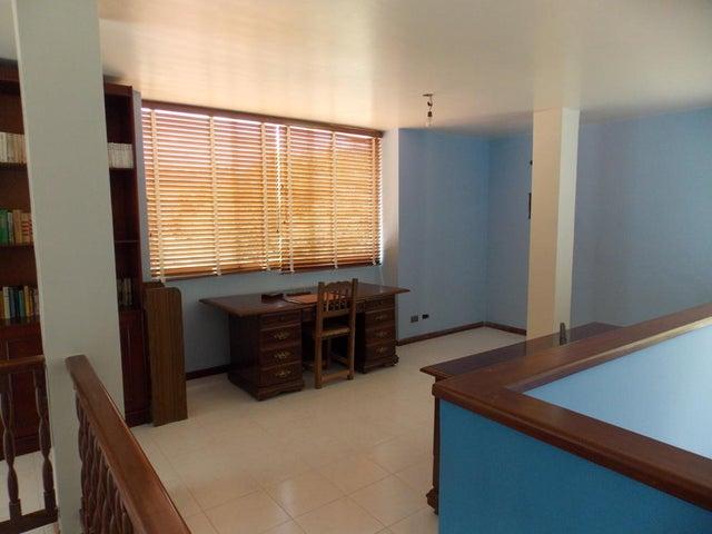 Casa Miranda>San Antonio de los Altos>Potrerito - Venta:24.000.000.000 Bolivares - codigo: 16-11744