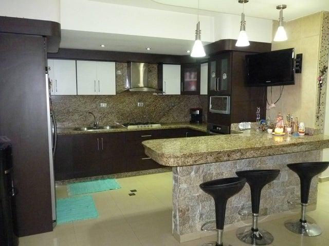 Apartamento Aragua>Maracay>Base Aragua - Venta:17.307.000.000 Bolivares Fuertes - codigo: 16-11804