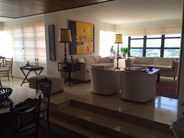 Apartamento Zulia>Maracaibo>Avenida El Milagro - Venta:315.000 Precio Referencial - codigo: 16-11813