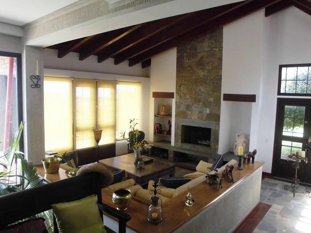 Casa Miranda>Municipio Los Salias>La Peña - Venta:183.218.000.000 Precio Referencial - codigo: 16-11860