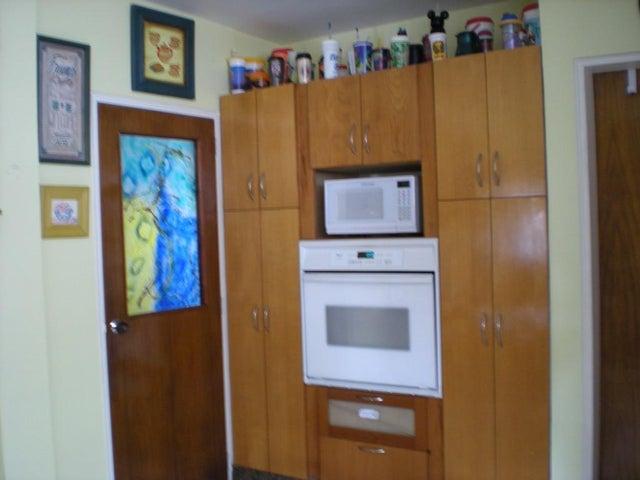 Casa Distrito Metropolitano>Caracas>Macaracuay - Venta:213.233.000.000 Precio Referencial - codigo: 16-11920