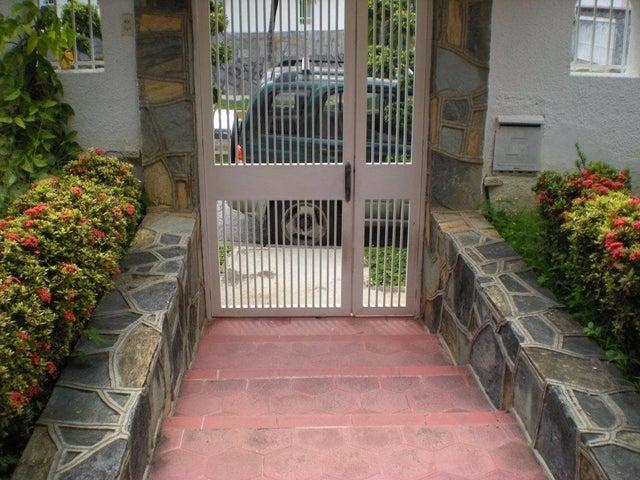 Casa Distrito Metropolitano>Caracas>Macaracuay - Venta:64.774.000.000 Bolivares - codigo: 16-11920