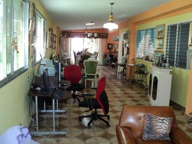 Casa Miranda>Los Teques>Colinas de Carrizal - Venta:51.912.000.000 Precio Referencial - codigo: 16-11946