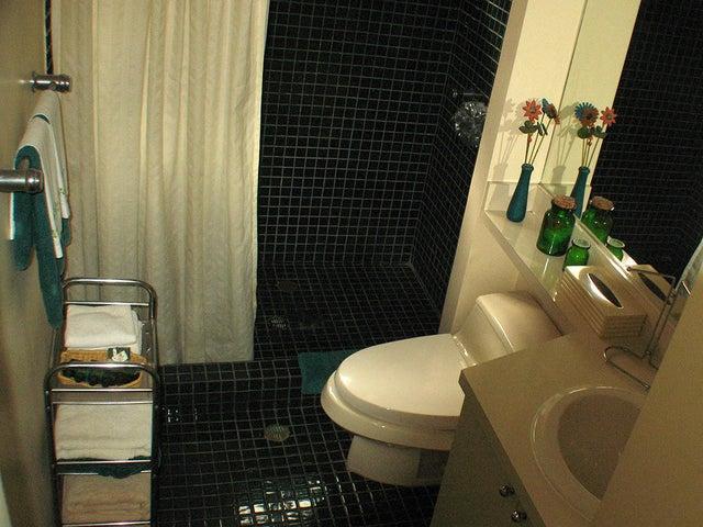 Casa Distrito Metropolitano>Caracas>Los Chorros - Venta:550.000 Precio Referencial - codigo: 16-11972