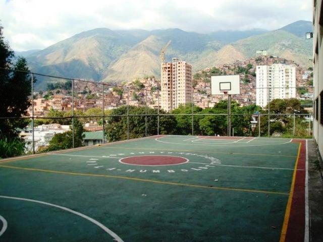 Apartamento Distrito Metropolitano>Caracas>Lomas del Avila - Venta:13.846.000.000 Bolivares Fuertes - codigo: 16-13705