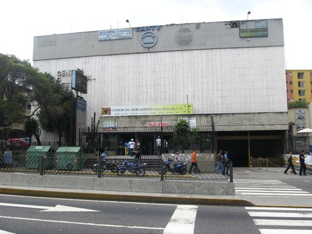 Local Comercial Distrito Metropolitano>Caracas>Catia - Venta:48.616.000.000 Precio Referencial - codigo: 16-12009