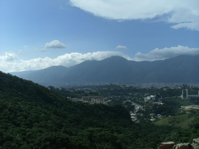 Apartamento Distrito Metropolitano>Caracas>Solar del Hatillo - Venta:145.583.000.000 Precio Referencial - codigo: 15-14727