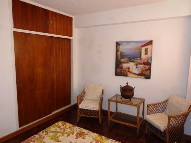 Apartamento Distrito Metropolitano>Caracas>Campo Alegre - Venta:33.948.000.000 Bolivares Fuertes - codigo: 16-12559