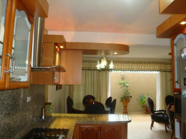 Townhouse Carabobo>Municipio Naguanagua>Mañongo - Venta:90.000 Precio Referencial - codigo: 16-12042