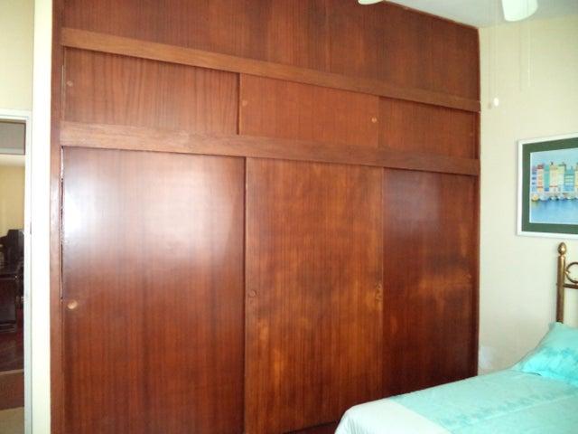 Casa Distrito Metropolitano>Caracas>El Marques - Venta:73.844.000.000 Bolivares - codigo: 16-12068