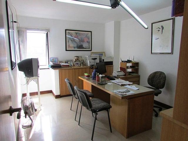 Apartamento Distrito Metropolitano>Caracas>La Florida - Venta:139.807.000.000 Precio Referencial - codigo: 16-12076