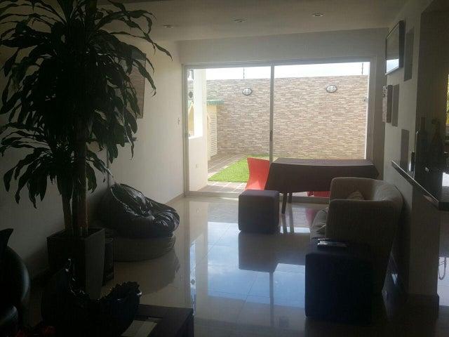 Townhouse Zulia>Maracaibo>Avenida Milagro Norte - Venta:36.644.000.000 Precio Referencial - codigo: 16-12149