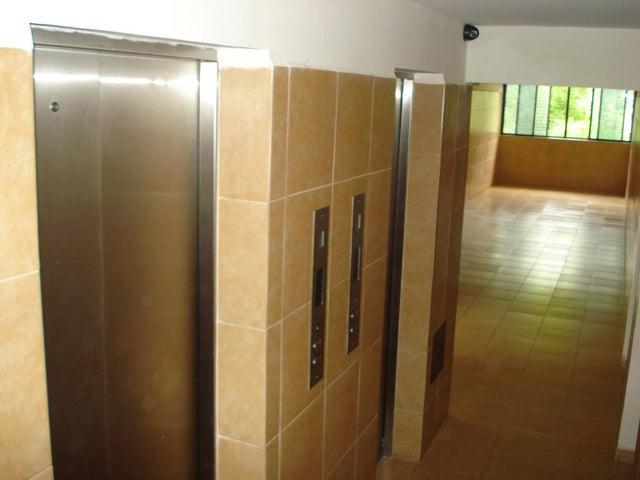 Apartamento Distrito Metropolitano>Caracas>Parque Caiza - Venta:15.324.000.000 Precio Referencial - codigo: 16-12181