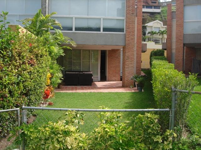 Townhouse Distrito Metropolitano>Caracas>Alto Hatillo - Alquiler:3.193.000.000 Precio Referencial - codigo: 16-12213
