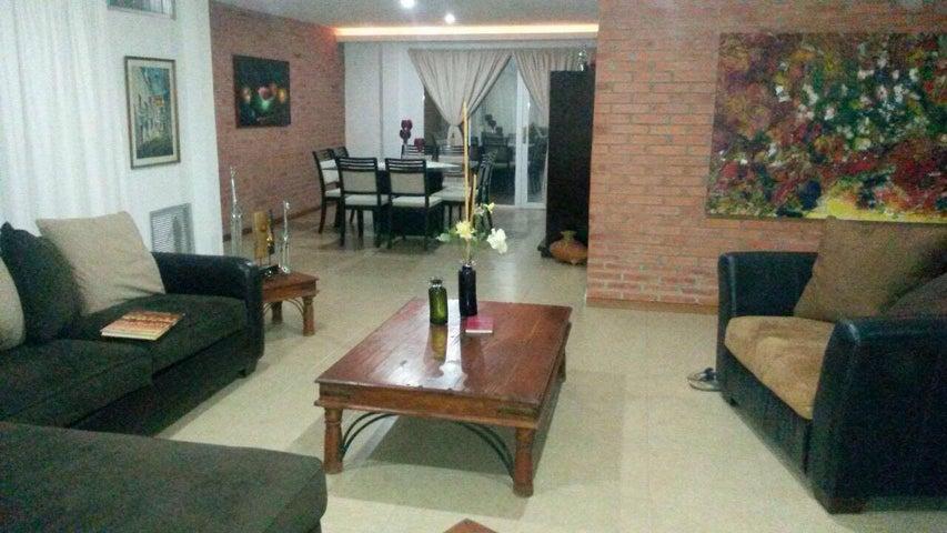 Casa Falcon>Punto Fijo>Terrazas Club de Golf - Venta:65.757.000.000 Bolivares - codigo: 16-12280
