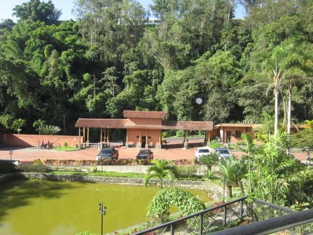 Apartamento Distrito Metropolitano>Caracas>La Lagunita Country Club - Alquiler:916.000.000 Precio Referencial - codigo: 16-12297