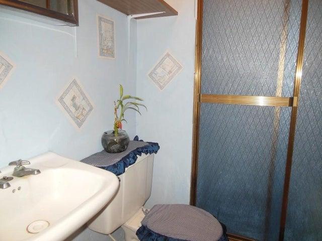 Apartamento Miranda>Los Teques>El Trigo - Venta:2.771.000.000 Bolivares Fuertes - codigo: 16-12304