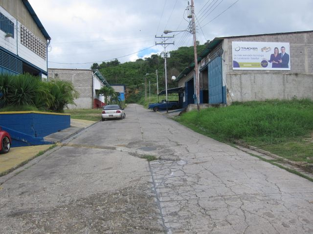 Terreno Miranda>Charallave>Alvarenga - Venta:3.900.000.000 Bolivares - codigo: 16-12320