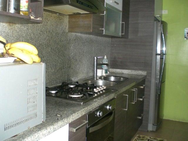 Apartamento Miranda>Guarenas>Nueva Casarapa - Venta:6.940.000.000 Bolivares Fuertes - codigo: 16-12334