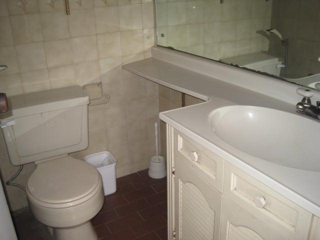 Apartamento Distrito Metropolitano>Caracas>El Paraiso - Venta:11.316.000.000 Bolivares Fuertes - codigo: 16-12376