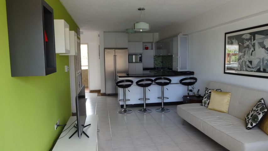 Apartamento Vargas>Catia La Mar>Playa Grande - Venta:38.077.000.000 Precio Referencial - codigo: 16-12396