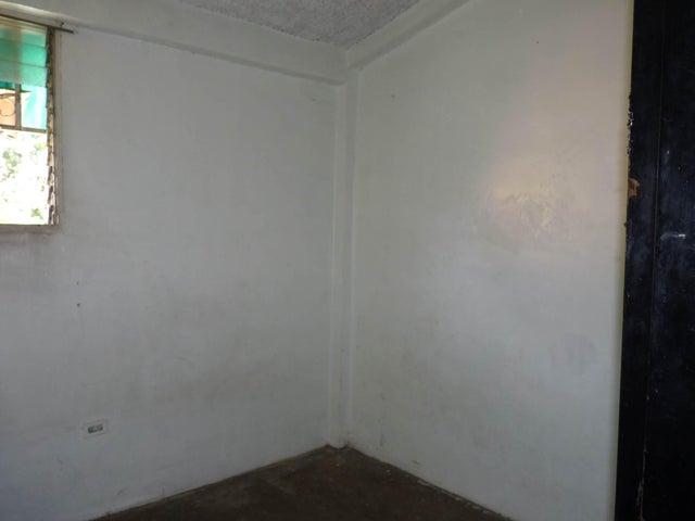 Apartamento Aragua>Palo Negro>Paraparal - Venta:7.000.000 Bolivares Fuertes - codigo: 16-12398