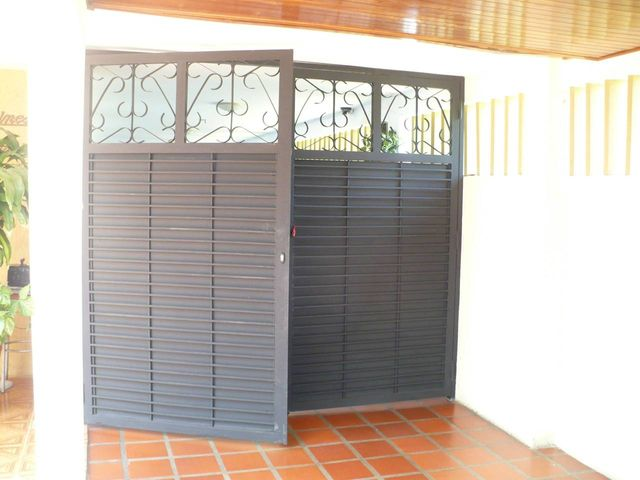 Casa Zulia>Maracaibo>La Trinidad - Venta:79.211.000.000 Bolivares - codigo: 16-12474