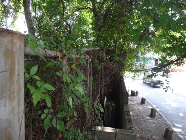 Terreno Distrito Metropolitano>Caracas>Prados del Este - Venta:88.523.000.000 Precio Referencial - codigo: 16-12558