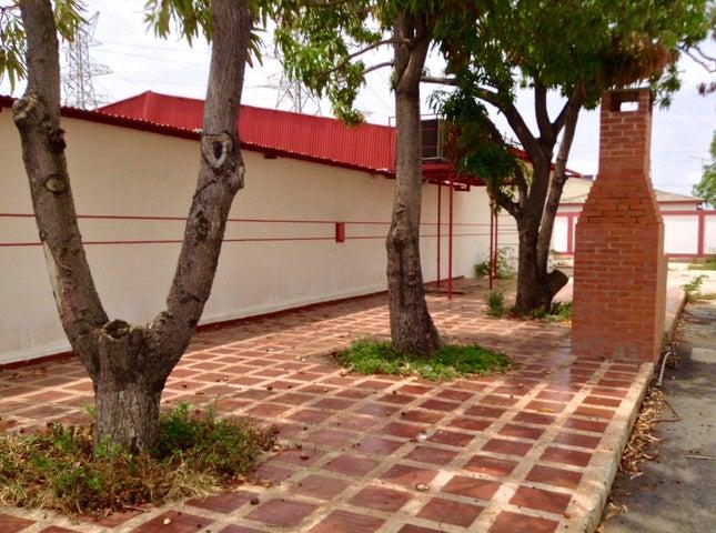Galpon - Deposito Zulia>Ciudad Ojeda>Las Morochas - Alquiler:1.527.000.000 Precio Referencial - codigo: 16-12581