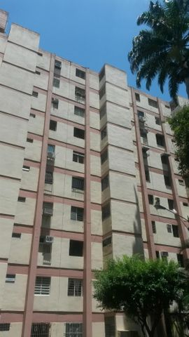 Apartamento Carabobo>Valencia>Avenida Bolivar Norte - Venta:7.615.000.000 Precio Referencial - codigo: 16-12695